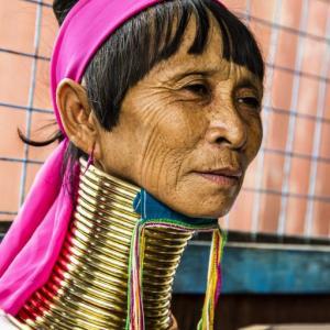 UZUN BOYUNLU KAREN KADINI INLE GÖLÜ MYANMAR (BURMA) - 2