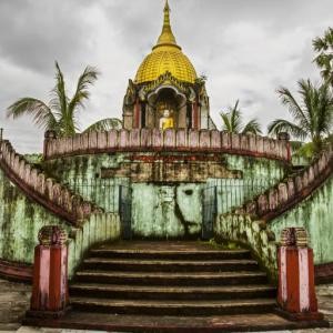 BAGAN TAPINAKLARINDAN BİR GÖRÜNTÜ MYANMAR (BURMA) - 4